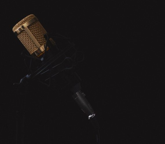 microphone-2130806_1280